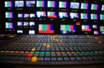 Tras decepcionar a los analistas por sumar un menor número de suscriptores, Netflix se enfrenta al reto de defender su corona ante la llegada de nuevos servicios de streaming que buscan desbancarlo del trono.