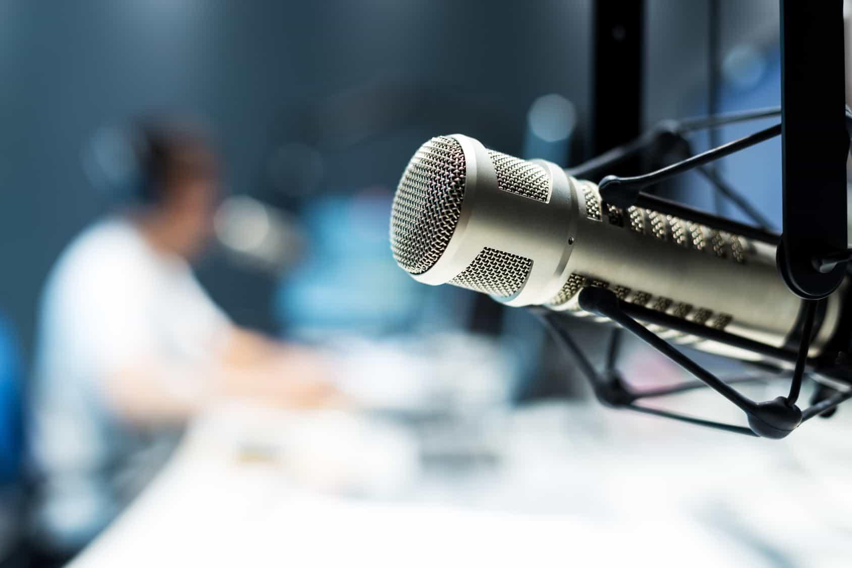 La migración de estaciones de radio de Amplitud Modulada a Frecuencia Modulada en la Ciudad de México, en la que resultó beneficiada y ganadora XEINFO-AM.