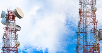 Uno de los objetivos en la política de administración y licitación de frecuencias del espectro radioeléctrico es la promoción de la competencia efectiva.
