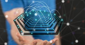 Las redes de telecom fijas cuentan con características técnicas y capacidades tecnológicas que permiten desempeñar una función en la conectividad.