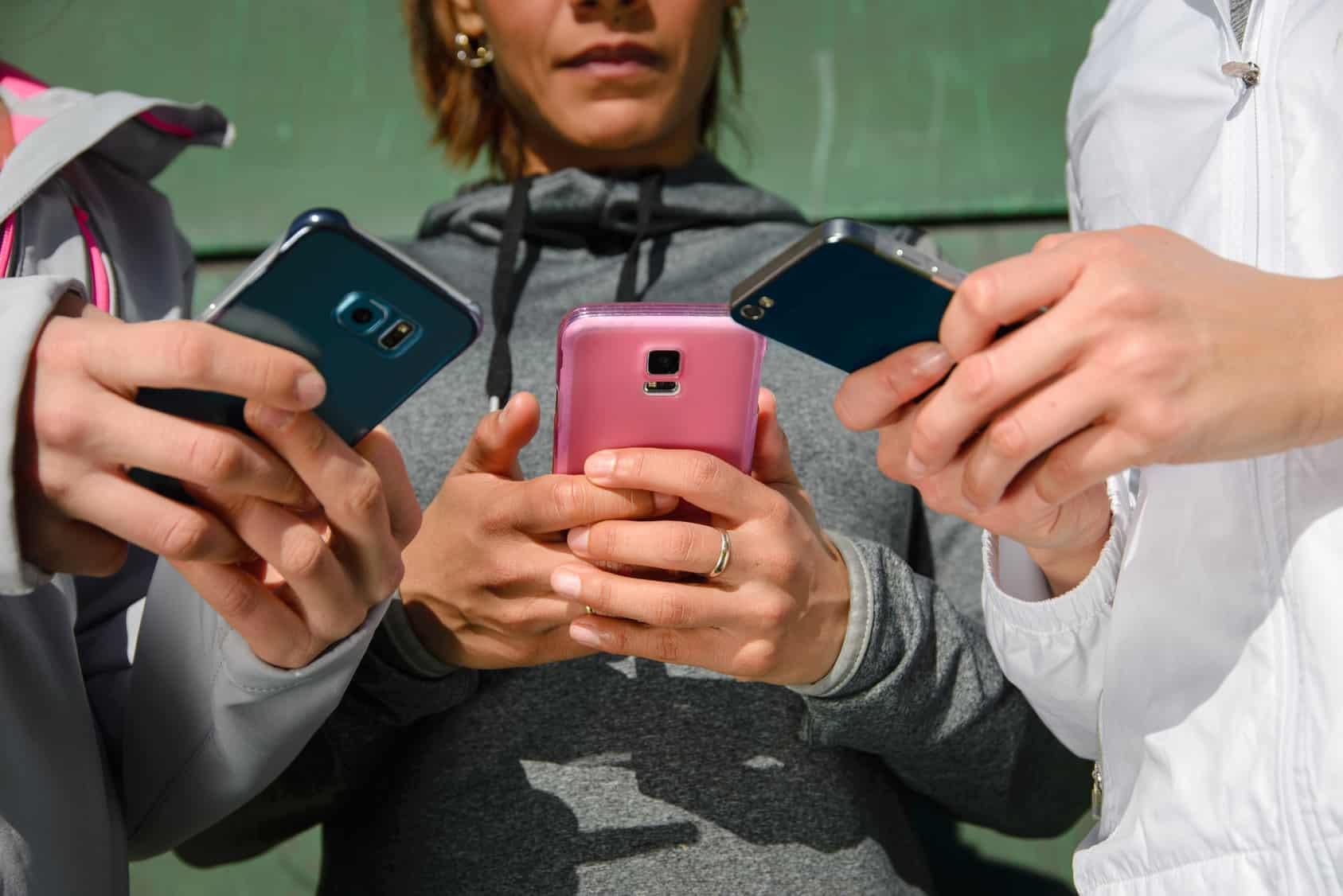 El proyecto de ley ha sido presentado por el miembro de la Cámara de Representantes, Mike Conaway, y pretende prohibir a cualquier oficina del gobierno contratar empresas que utilicen equipos de telecomunicaciones de las dos marcas chinas.