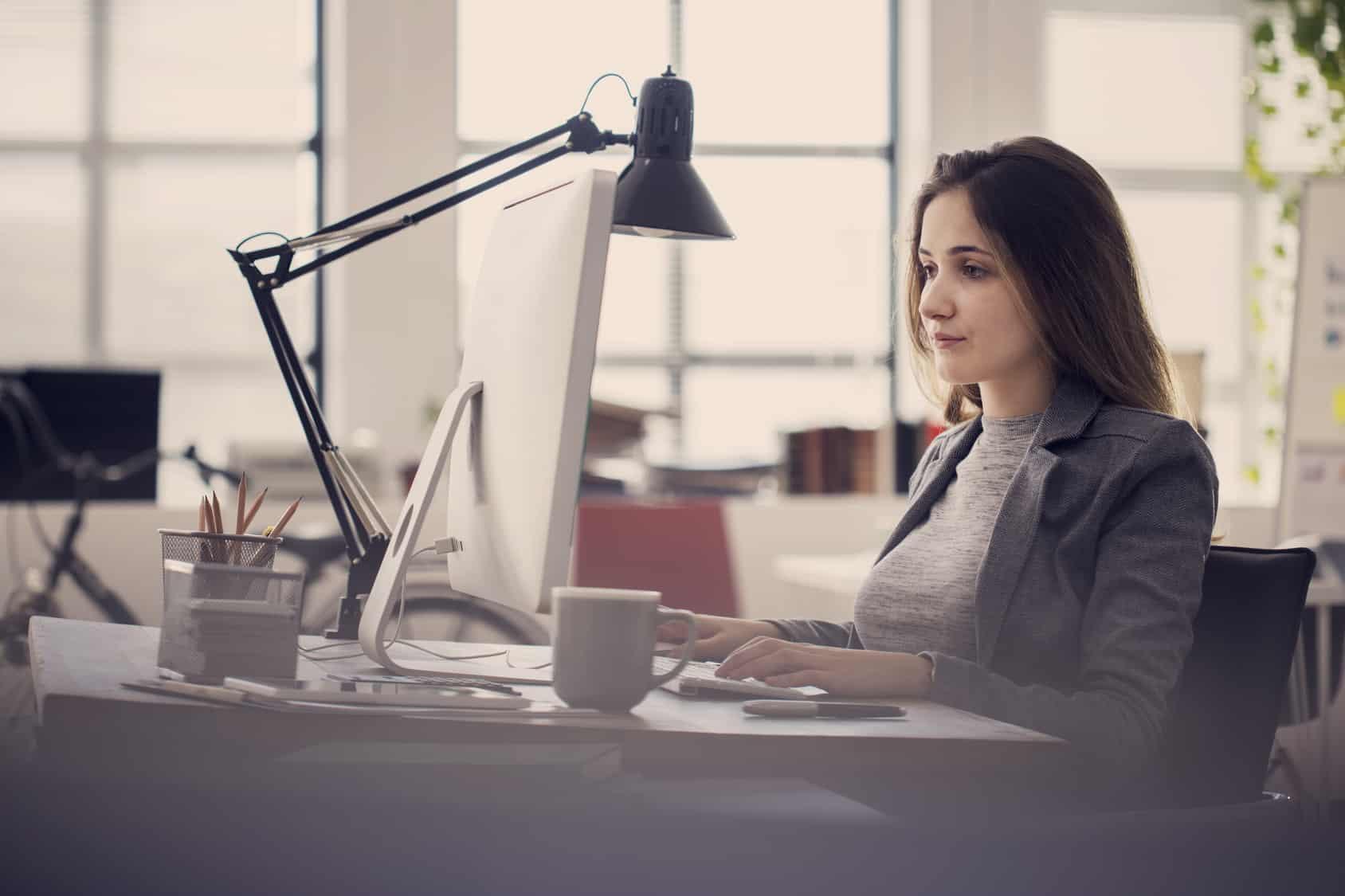 Mujeres son el 23% de los empleados del sector de telecomunicaciones en México