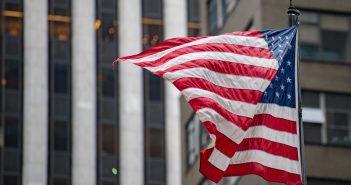 la Suprema Corte de Estados Unidos dio un severo revés a la pretensión del gobierno populista del presidente Donald Trump