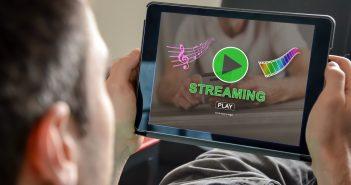La plataforma destreamingmusical Spotify ha inciado los trámites para su salida a bolsa con una oferta pública de venta de acciones (OPV) de hasta 1.000 millones de dólares.