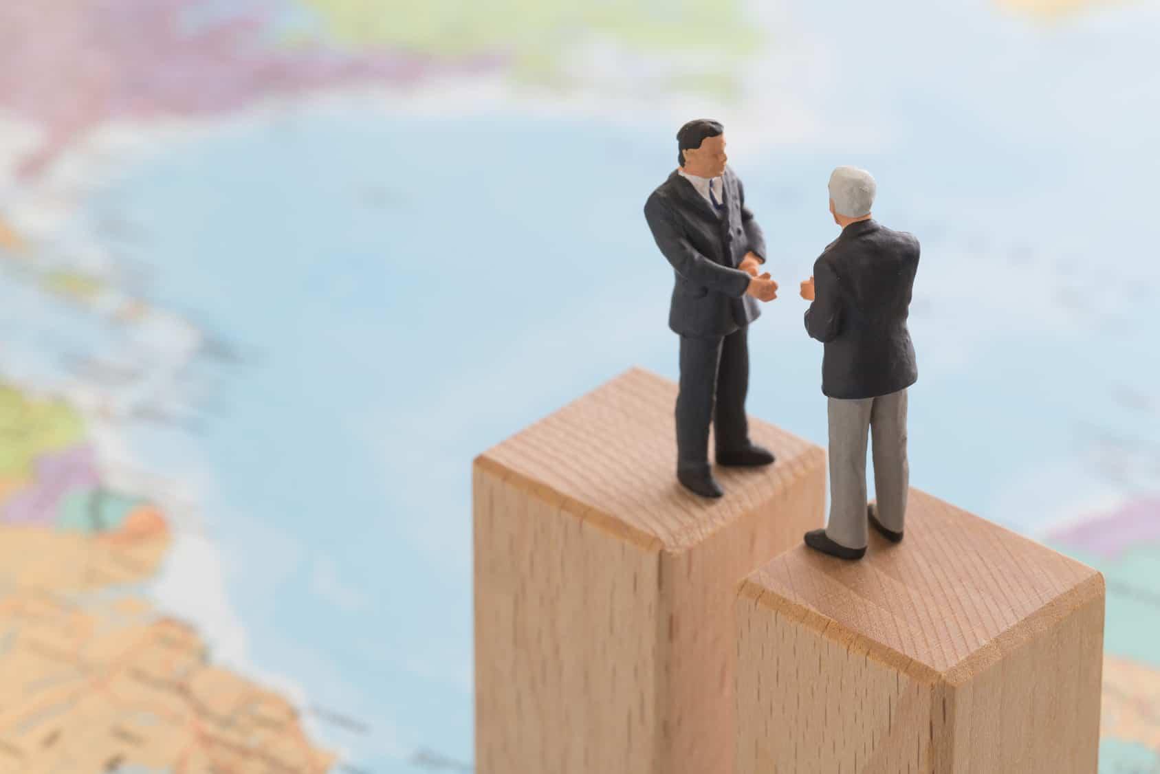 Falta por ver si se logra aterrizar un debate adicional, al que han convocado varios grupos empresariales —como la Coparmex — y organizaciones ciudadanas. Pero habrá que tener en cuenta que, a partir del 14 de junio, entrará la fiebre mundialista y el electorado estará disperso.