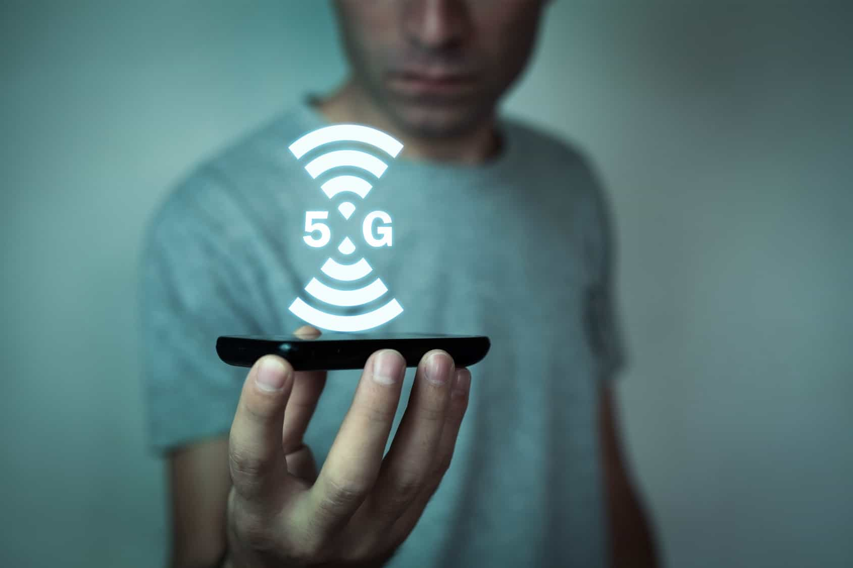 Las últimas semanas dentro del mundo de las telecomunicaciones globales se han caracterizado por mensajes contradictorios sobre la llegada de 5G.