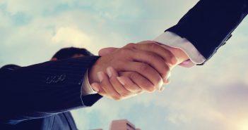 La compañía estadounidense de telecomunicaciones indicó que la fusión con Time Warner podría celebrarse antes del 20 de junio.