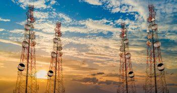Defendía la legalidad de los servicios de voz por internet ante desplegados de la autoridad y la industria que alegaban competencia desleal por parte de empresas como Skype y otras.