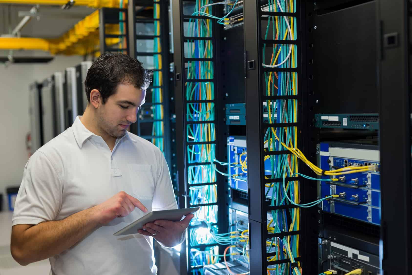 54.9 por ciento de la población mexicana vive en lugares sin competencia en redes de fibra óptica.