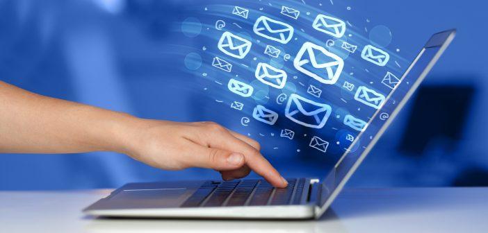 De acuerdo a la Primera Encuesta de Usuarios de Servicios de Telecomunicaciones, las principales actividades que realizan en internet desde un celular son: uso de redes sociales, mensajes de textos y ver videos.