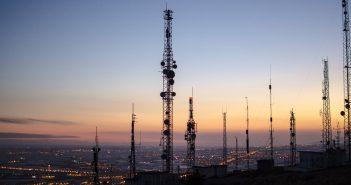 """El presidente del Instituto del Derecho de las Telecomunicaciones,Gerardo Soria, calificó de """"impresionante"""" la reducción en los costos."""