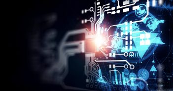 Analistas, académicos y el público en general hablan con abierta simpatía de la creciente influencia del ecosistema digital en nuestra vida diaria.