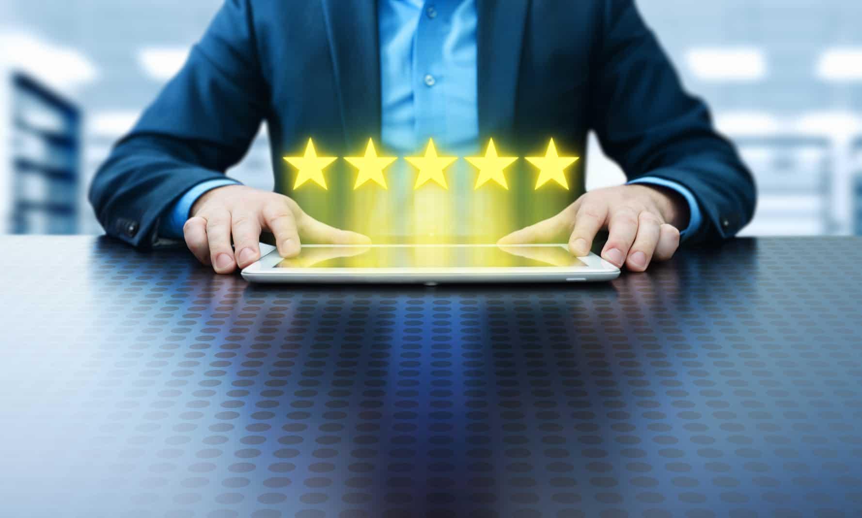 Maximización de la calidad de los bienes y servicios pueden ser consideradas como la provisión de los elementos básicos para mejorar el bienestar de los consumidores