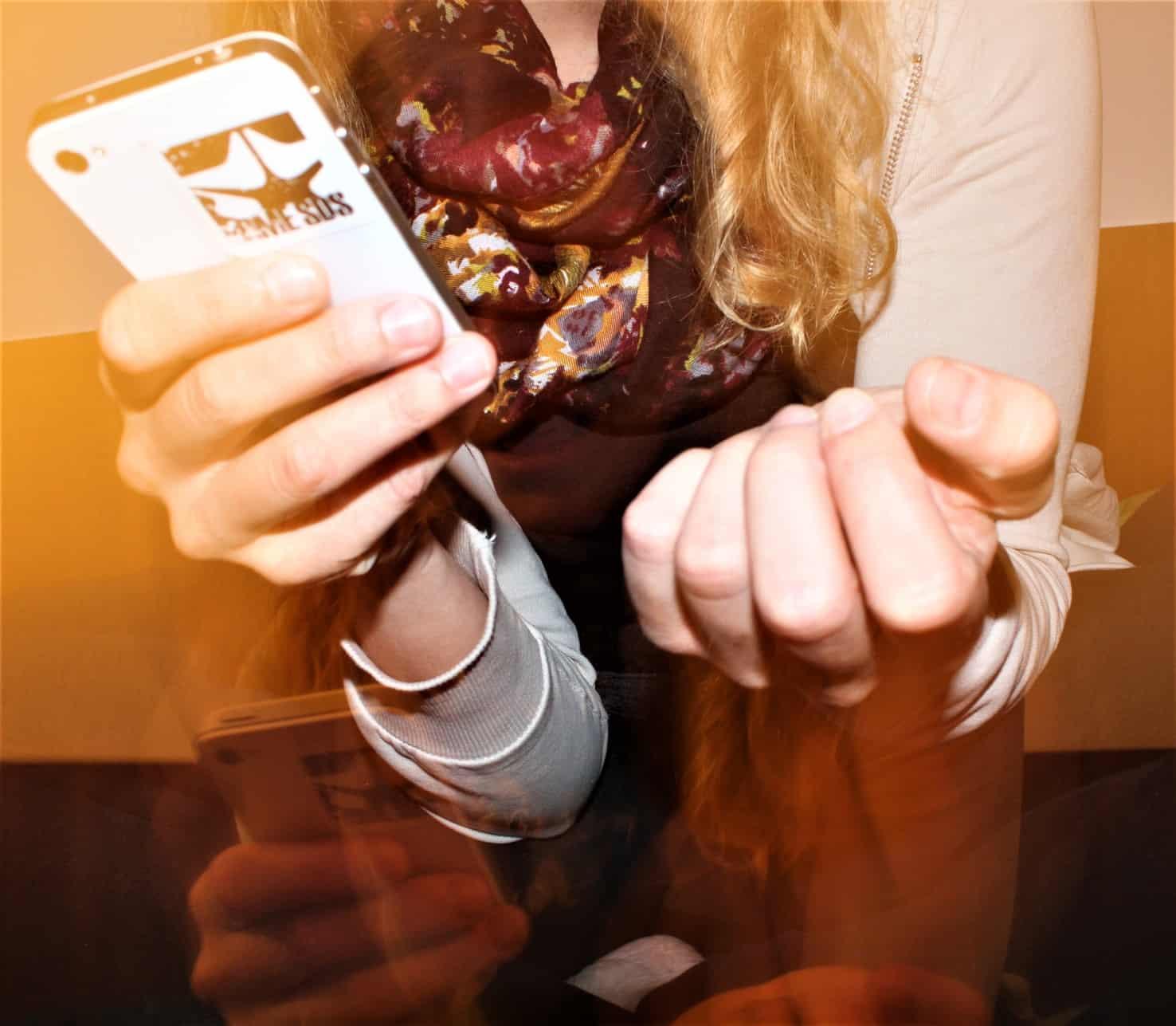 La violencia cibernética o digital y aunque se registra en el espacio virtual, tiene impactos negativos en la vida real y Julia, como le llamaremos, lo sabe muy bien.