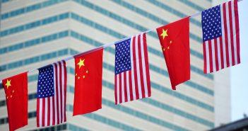 China convocó al embajador de Estados Unidos ante Pekín este domingo, para protestar por el arresto,
