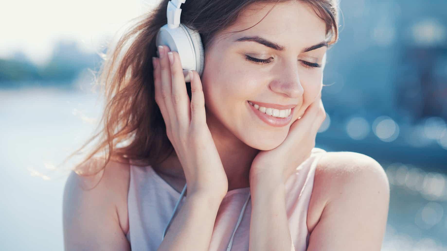 La industria de la música ha tenido una notable evolución tanto en la grabación y producción como en el ámbito de la promoción y distribución.