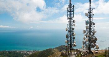 El IFT ordenó que el AEP de las telecomunicaciones, i.e.América Móvil, se sometiera a un esquema de separación funcional paraTelmex.