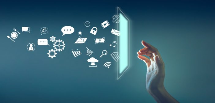 """El uso de las tecnologías de la comunicación ha significado, dicen los expertos, una especie de bendición, constituyendo un fenómeno nuevo al que su uso por parte de la sociedad se le denomina con el término de """"benditas redes sociales""""."""