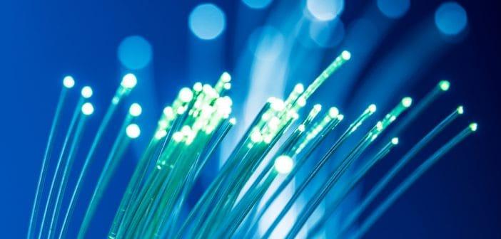 Por segunda vez se cambia la fecha de licitación para la red que llevará internet, tv y telefonía.