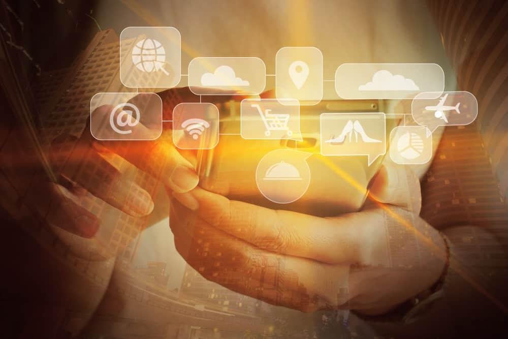 """No se trata de cuestionar los avances tecnológicos y los servicios que proporcionan, sino de encontrar un camino o """"cancha pareja"""" con las empresas nacionales en la competencia."""