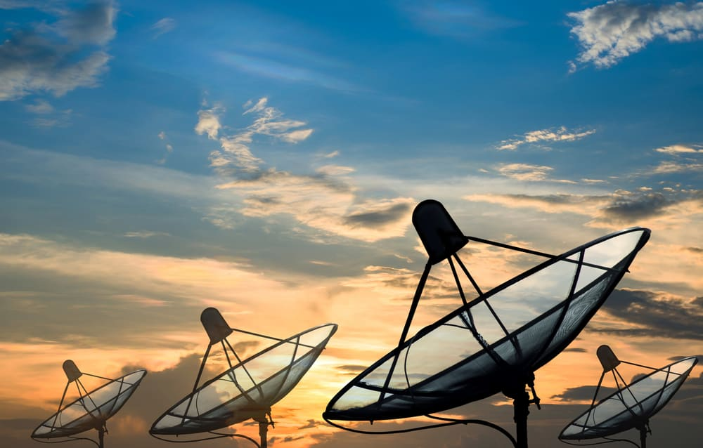 tendrá como objetivo desarrollar sistemas de comunicaciones inalámbricas para su aplicación en soluciones de conectividad de banda ancha vía satélite