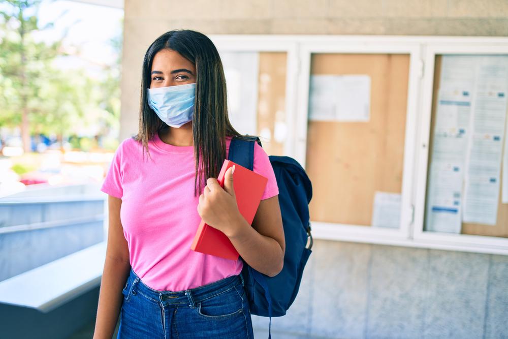 Durante la pandemia, 5.2 millones de alumnos abandonaron sus estudios, por falta de acceso al internet.