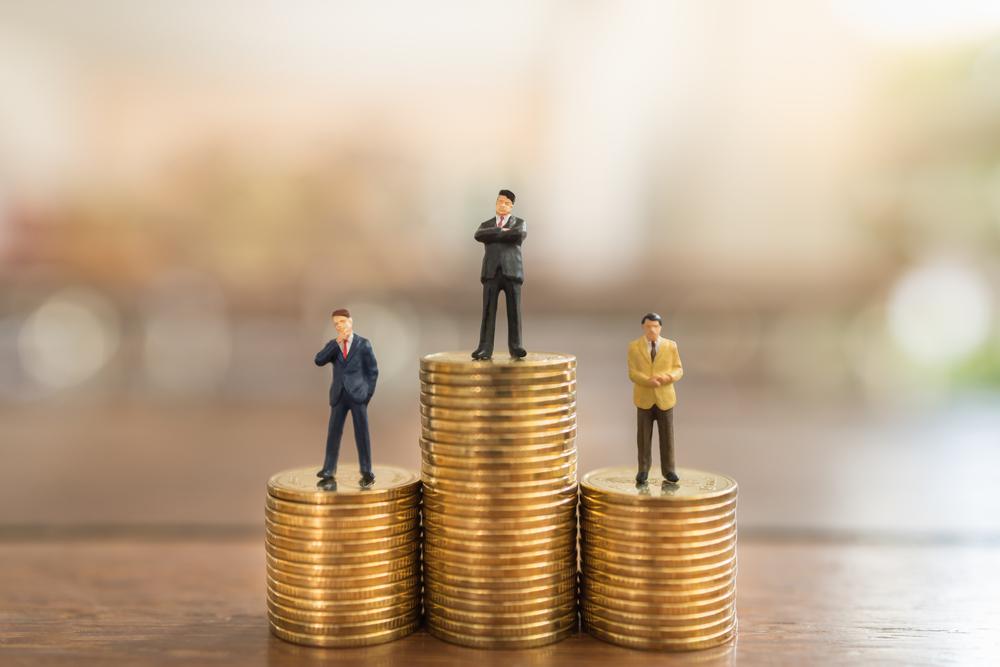 ¿Qué carrera profesional estudiaron los 10 hombres más ricos del mundo?